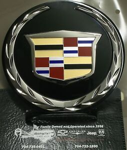 2007 2014 Cadillac Escalade Front Grille Emblem By Cadillac 22985035 Gm Oem Part