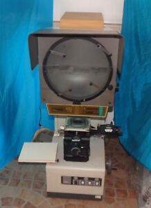 Mitutoyo Pj 3000 Pj3000 Bench Top Optical Comparator profile Projector
