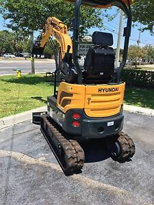 Used Hyundai Mini Excavator R17z 9a Still In Warranty