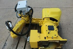 Fanuc Arcmate 120i Robot Arm No Rj3 Control Year 2000 With Handling Attachmen
