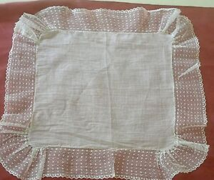 Delightful Vintage Lace Edged Wedding Hanky Ss982