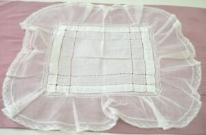 Delightful Vintage Antique Linen And Lace Wedding Hanky W Openwork Tt319