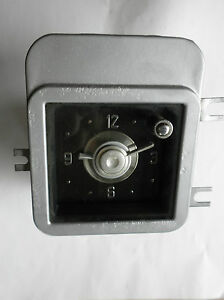 Working 1953 Chrysler Clock New Haven 30 Day Guarantee