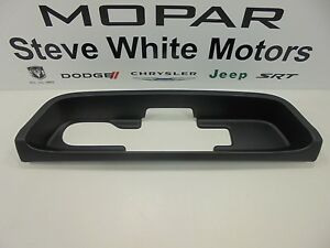 14 16 Jeep Cherokee Rear Trailer Hitch Bezel Trim Factory Mopar Oem New