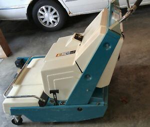 Tennant Walk Behind 24 Volt Sweeper Scoult W Only 49 Hours New Batteries