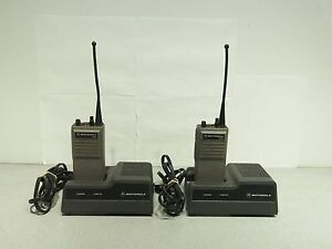 Lot Of 2 Motorola Ht600 Radio And Charger H44svu7160cn Uhf 4w 6ch 403 512mhz