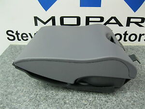 98 02 Dodge Ram 1500 2500 3500 Instrument Panel Cup Holder Mopar Mist Gray