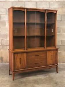 Beautiful Mid Century Modern China Cabinet Display Case Bookcase