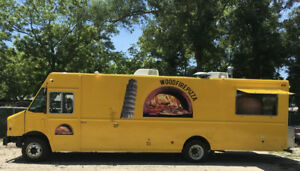 2011 Step Van W32 Workhorse Concession Pizza Food Truck