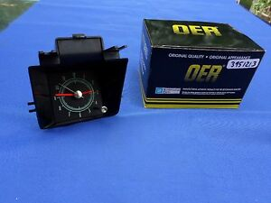 New 1969 Camaro Center Dash Mounted Clock Oer 3951213 Quartz Gm Licensed