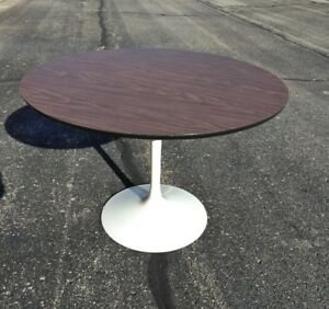 Vintage X Clean Tulip Table Formica Top About 40 Dia 1960 S 150 Ghound Ship