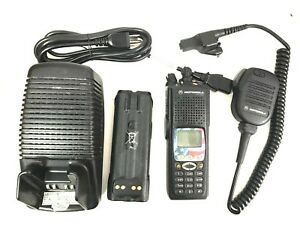 Motorola Xts5000 Model Iii 700 800 Mhz Two Way Radio H18uch9pw7an W Accessories