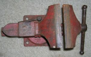 Vintage 4 1 2 Scout Bench Mount Vise With Pipe Jaws Forming Anvil Great Shape