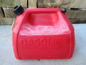 Rubbermaid Gott 5 Gallon Vented Gas Fuel Can With Spout 1251 Made In Usa