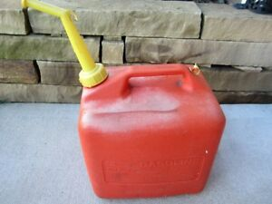 Sears Craftsman 5 Gallon Vented Gas Fuel Can Spout 82025 Made In Usa P500