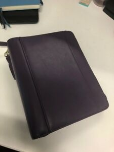 Franklin Covey Classic Size Livi Leather Zipper Binder Purple plum Color