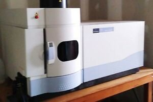 Perkin Elmer Optima 7300 Dv Icp oes With S10 Autosampler And Polyscience Chiller