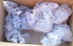 Huge Lot Keystone Wire T post Fence Clip Lot For Farm Ranches Approx 800