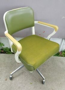 Vintage Steelcase Industrial Swivel Office Arm Chair Rolling Propeller Base