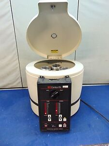 International Equipment Company Centra hn Centrifuge R888x