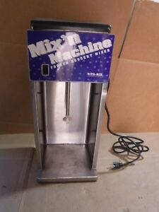 Vita mix Commercial Countertop Bleander Milk Shake flurry Maker Model Vm0800