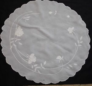 Pretty Antique Hand Embroidered Large 34 Centerpiece Doily With Roses