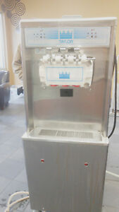 Taylor Model 794 33 Ice Soft Serve Cream Custerd Machine 3 Head Water Cooled