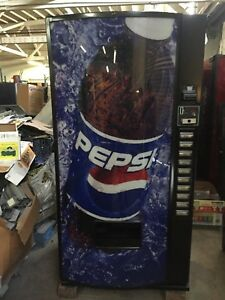 Royal Vendors Model 650 10 Pepsi cola Vending Machine Bottle Can
