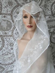 Antique Lace Circa 1900 Lovely Tambour Lace Oval Wedding Veil