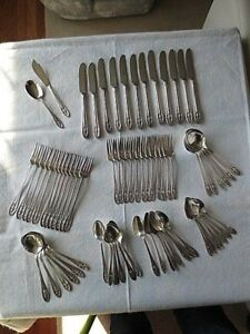 Beautiful Wallace Hollywood Luxor Plate Service For 12 Flatware Set