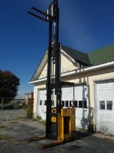 Yale Battery Forklift 4000 Lb Capacity 3000