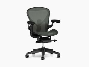 Herman Miller Aeron Mesh Desk Graphite Large Desk Chair Size C Fully Adj lumbar