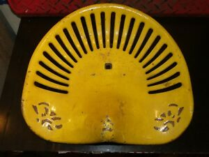 No 208 Vintage Cast Iron Tractor Implement Seat Farm Collectables