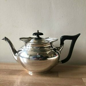 Lovely Thomas Bradbury Sheffield Sterling Silver Teapot Circa 1895