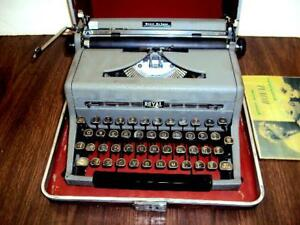 Fully Serviced Royal quiet De Luxe Manual Portable Typewriter case great