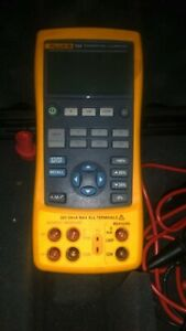 Fluke 724 Temperature Calibrator With Leasds And Case
