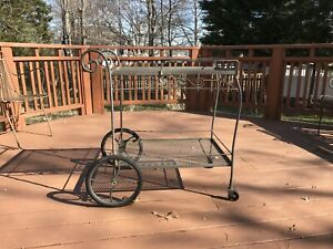 Salterini 1960s Era Vintage Rolling Tea Bar Cart Outdoor Patio Furniture