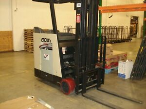2009 Crown Counter Balance Forklift W 3 Phase Charger Refurbished Battery