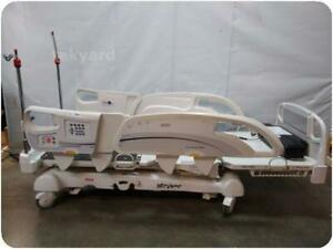 Stryker Intouch Electric Critical Care Hospital Patient Bed 217672
