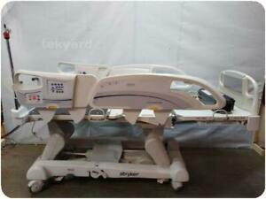 Stryker Intouch Electric Critical Care Hospital Patient Bed 217645