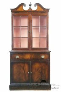 Antique Hepplewhite Style Mahogany 34 Pediment Top China Cabinet