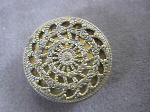Flowers And Leaves Button 1 1 8 Brass Old Antique