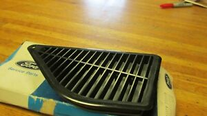 Nos 1970 Ford Galaxie Ltd Xl 1970 1971 Torino Fairlane 4dr Lh Door Pillar Vent