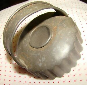 Antique Vintage Primitive Tin Metal Donut Biscuit Cookie Cutter With Handle