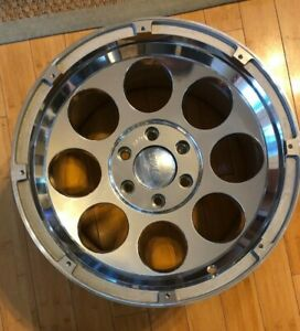 Mickey Thompson Classic Lock M T Wheel 18x10