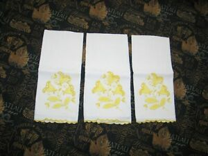Set Of 3 Vintage Madeira Linen Fingertip Towels Hand Embroidery Tulip Flowers