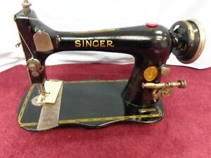 Working Vintage Singer Fiddlehead Base Long Shuttle Sewing Machine