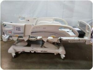 Stryker Intouch Electric Critical Care Hospital Patient Bed 217664