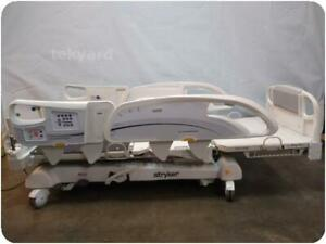 Stryker Intouch Electric Critical Care Hospital Patient Bed 217248