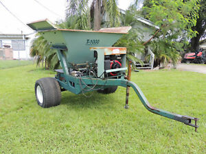 Terra Topper T 1000 Spin Type Top Dresser Self Contained Buffalo Turbine
